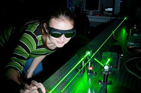 """""""光子悬浮""""推进技术有望20年内送人类去近邻星系"""