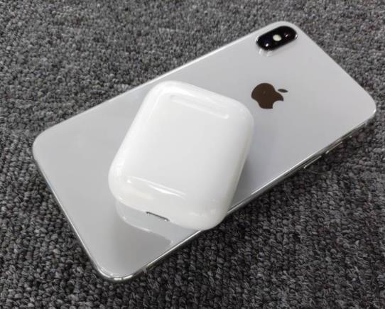 分析师预测2019年iPhone电量提升可反向无线充电