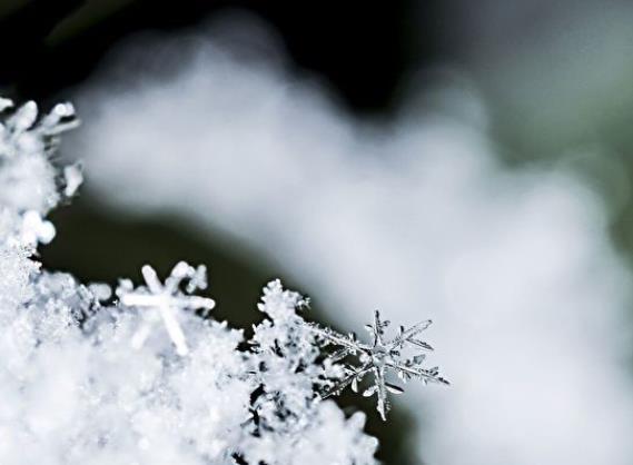 科学家造出雪花发电机