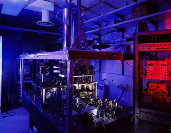 最新原子钟精准度超高 自大爆炸至今误差不到一秒
