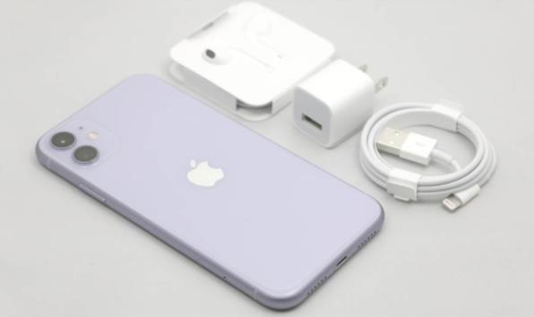 苹果iPhone11对比iPhone XR 外在变动小机身更粉嫩