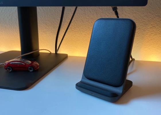 Nomad无线充电器将高级设计与iPhone和AirPods结合使用