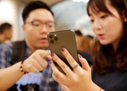 双镜头苹果iPhone 11卖赢3镜头Pro版