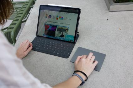 苹果iPadPro2020/iPadOS13.4实测AR大幅强化 值得升级换机?