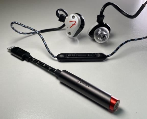 Fender AE1i iPhone听歌神线配原厂线控耳机 全套轻松玩