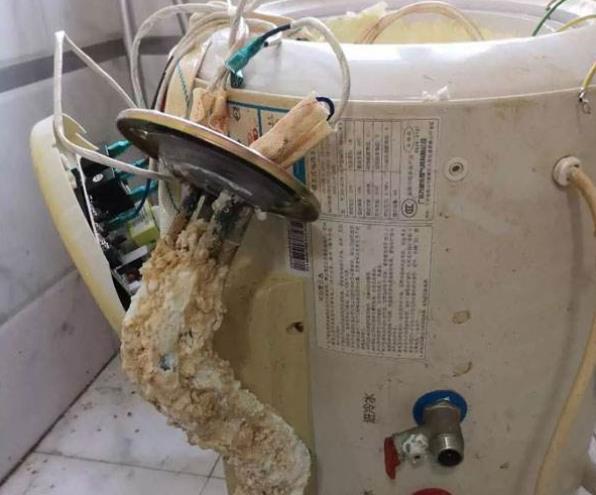 帅康电热水器怎么清洗内胆