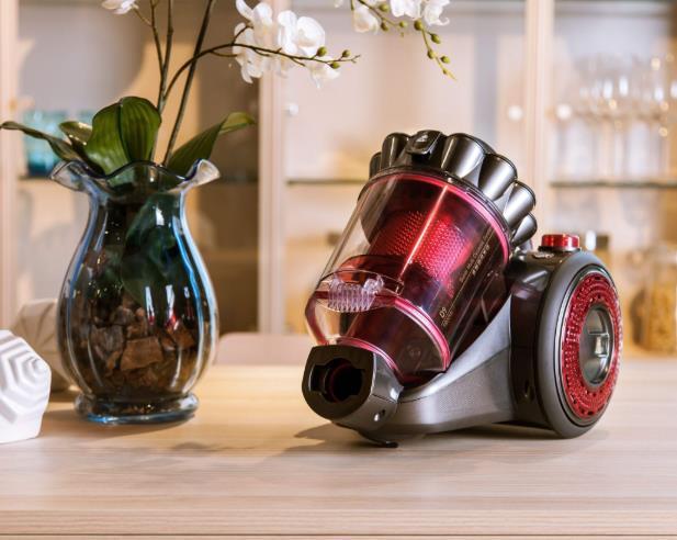 小狗吸尘器和戴森吸尘器哪个好用性价比高