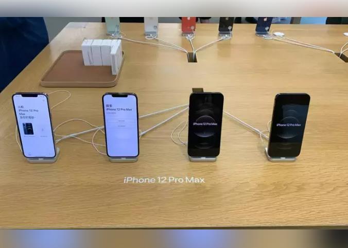 国内苹果iPhone12Pro供货紧 店员:100个顾客有98个是黄牛